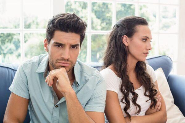 زوج-يطلَق-زوجته
